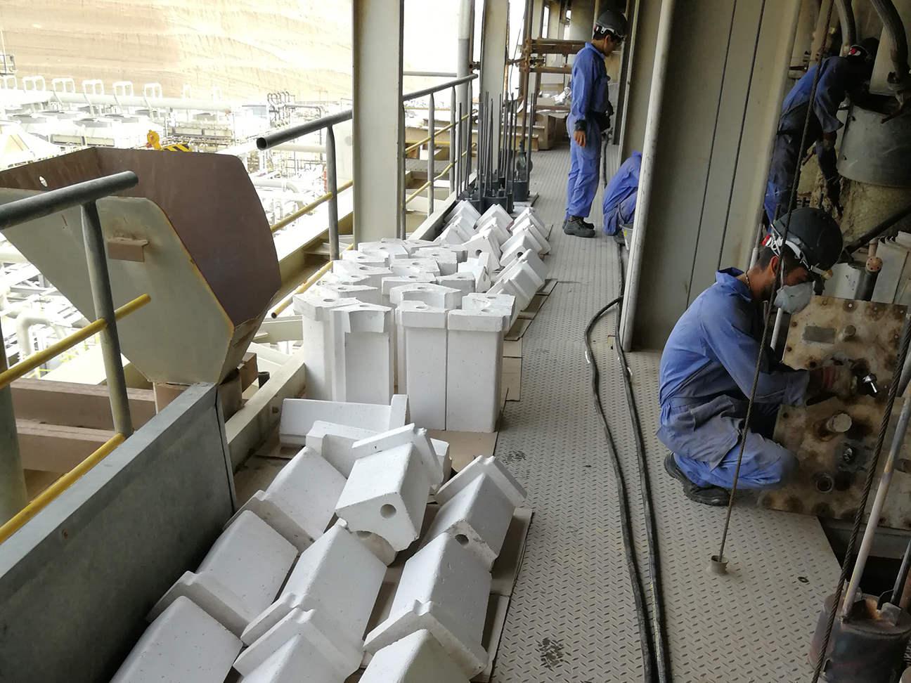 نظارت بر تعمیر و نگهداری و ساخت قطعات یدکی کورهی حرارتی ریفورمر پتروشیمی خارگ - واحد متانول